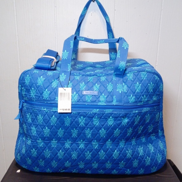Vera Bradley Handbags - NWT Vera Bradley Grand Traveler in Marine Turtles